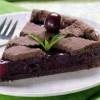 Vişneli Reçelli Çikolatalı Kek