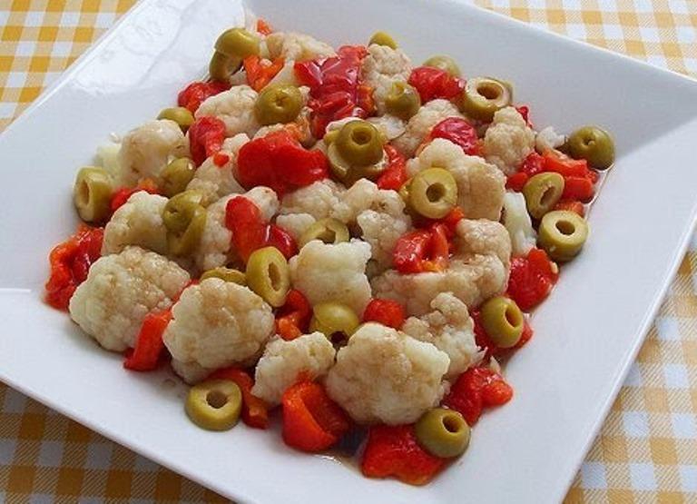 Karnabahar Salatası Yapılışı