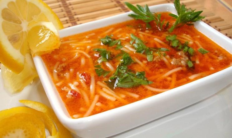 Çatal Çorba (erişte çorbası) tarifi