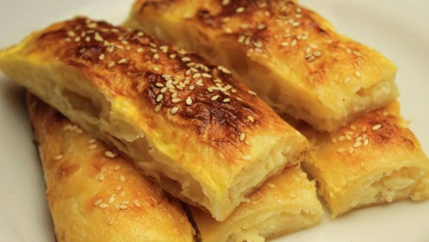 patatesli-taze-sogan-boregi-yapimi