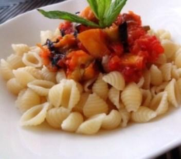 patlıcan soslu makarna tarifi