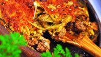 Güveçte Patlıcanlı Kuzu Eti