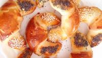 Peynirli Ay Çöreği