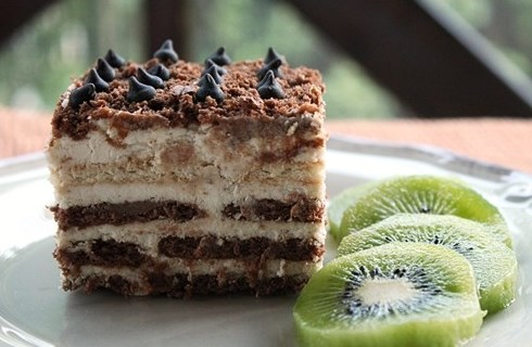 kremalı bisküvili pasta