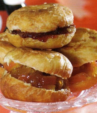Portakal Reçelli ve Frambuaz Marmelattı Domıt