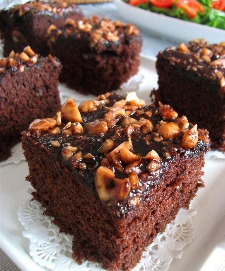 Fındıklı Damla Çikolatalı Kek