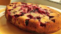 Milföyde Bademli Böğürtlenli Kek