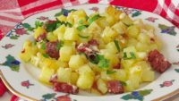 Kahvaltı İçin Sucuklu Patatesli Atıştırmalık