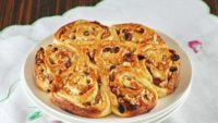 Kuruyemişli Çörek