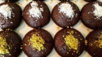 İçi Sürprizli Kakaolu Browni Tadında Islak Kurabiye Tarifi
