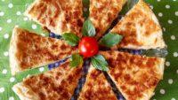 5 Dakikada Tavada Peynirli Yufka Böreği Tarifi