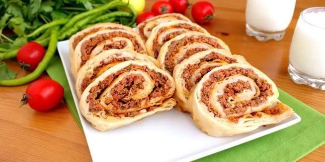 Kıymalı Lahmacun Böreği